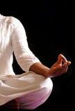 Het doen van yoga Royalty-vrije Stock Fotografie