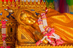 Het doende leunen standbeeld van Boedha Royalty-vrije Stock Afbeelding