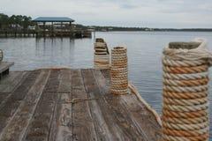 Het dok van de golfkust royalty-vrije stock afbeelding