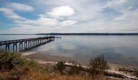 Het Dok van de het Parkboot van de Staat van het Joemmastrand dichtbij Tacoma Washington de V.S. stock foto