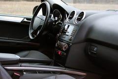 Het donkere Binnenland van de luxeauto tuning Karbon Binnenlands detail royalty-vrije stock afbeeldingen