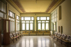 Het donkere binnenland van de zaalruimte Royalty-vrije Stock Foto's