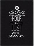 Het donkerste uur is vlak vóór dageraad Inspirational citaataffiche royalty-vrije illustratie
