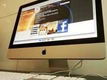 Het doorbladeren op Internet Stock Afbeeldingen