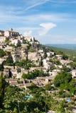 Het dorp Gordes van de heuveltop Stock Foto