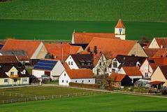 Het dorp Heroldingen van het land Stock Foto's