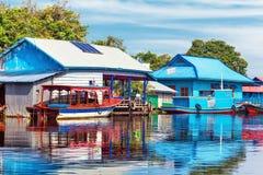 Het dorp op het water Stock Afbeeldingen
