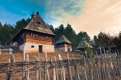 Het dorp Sirogojno van Ethno Stock Foto