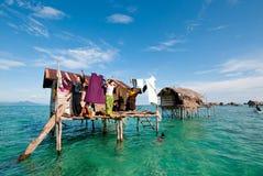 Het dorp van Bajau laut stock afbeelding