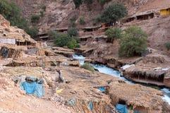Het dorp van Berber in de Middenbergen van de Atlas Royalty-vrije Stock Fotografie