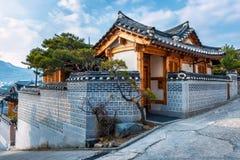 Het Dorp van Bukchonhanok Stock Afbeeldingen