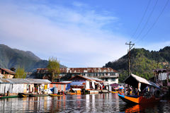 Het dorp van de Boot van het huis, Kashmir stock foto