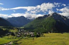 Het dorp van de Gimillanberg Cogne, Aosta Vallei, Italië Royalty-vrije Stock Foto