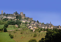 Het dorp van de heuveltop stock foto