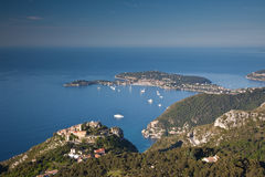 Het dorp van de Heuveltop van Eze op de Kooi d'Azur Stock Foto's