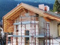 Het dorp van de huis in aanbouw berg Stock Afbeelding
