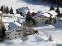 Het dorp van de sneeuw Stock Afbeeldingen