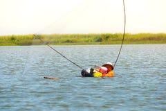 Het dorp van de visser in Thailand met een aantal visserijhulpmiddelen genoemd 'Yok Yor ', traditionele de visserijhulpmiddelen v royalty-vrije stock foto's