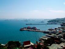 Het Dorp van de Vissersboot bij Koh Si Chang Royalty-vrije Stock Afbeeldingen
