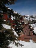 Het Dorp van de winter bij de Toevlucht van de Ski Stock Fotografie