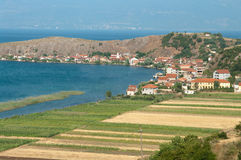 Het Dorp van Lin op Ohrid Meer, Albanië Stock Foto's