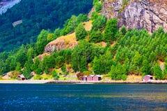 Het dorp van Noorwegen en fjordlandschap in Flam stock foto