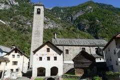 Het dorp van Prato Sornico op Magga-vallei Royalty-vrije Stock Afbeeldingen