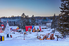 Het Dorp van Santa Claus `, val-David, Quebec, Canada - Januari 1, 2017 Stock Afbeeldingen