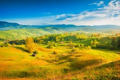 Het dorpsheuvels van de Karpaten Royalty-vrije Stock Afbeeldingen
