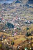 Het dorpsweg van de vallei Stock Afbeeldingen