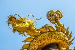 Het draakgoud wordt gemaakt van schrootstaal Royalty-vrije Stock Foto