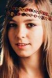 Het dragen van hoofdband stock foto