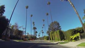 Het drijven door Beverly Drive in Beverly Hills stock video