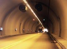 Het drijven door een tunnel Stock Foto's