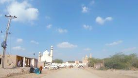 Het drijven naar Abbasi-Moskee in Bahawalpur Pakistan stock videobeelden