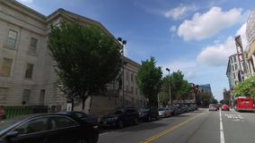 Het drijven van Afgelopen Smithsonian Museum in het Washington DC Van de binnenstad stock footage