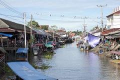 Het Drijven van Ampawa Markt, Thailand Stock Foto's