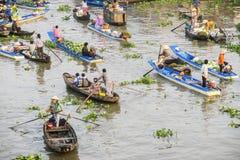 Het drijven van Nganam markt in Maannieuwjaar Stock Afbeelding