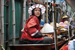 Het Drijven van Saduak van Damnern Markt, Thailand Stock Foto