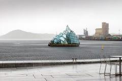 Het drijvende beeldhouwwerk voor het de Operahuis van Oslo, namelijk Stock Fotografie