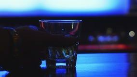 Het drinken in de bar Stock Afbeelding