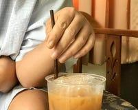 Het drinken met stro Stock Afbeelding