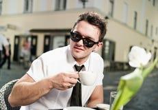 Het drinken van de mens Koffie Stock Afbeelding