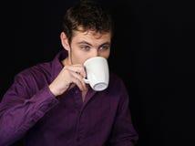 Het drinken van de zakenman koffie stock foto's