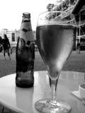 Het drinken van glas in Cen Pompidou Stock Fotografie