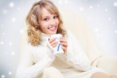 Het drinken van het meisje thee Stock Foto's