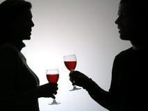 Het drinken van het paar wijnstok stock fotografie