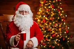 Het drinken voor Kerstmis Royalty-vrije Stock Foto