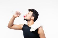 Het drinkwater van de sportenmens Royalty-vrije Stock Afbeelding