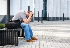 Het droevige portret van de middenleeftijdsmens Stock Foto's